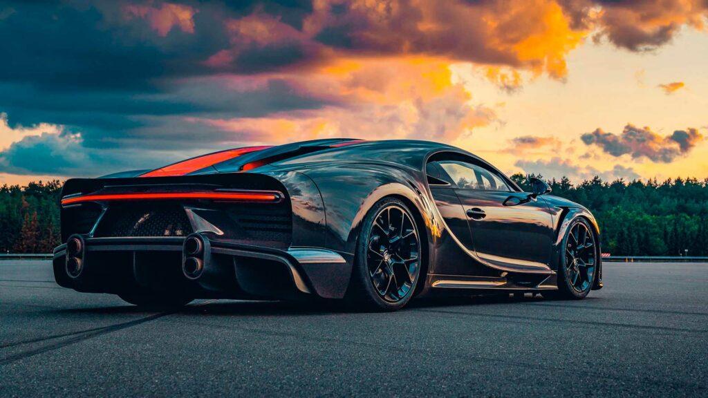 Bugatti-Chiron-Super-Sport-300