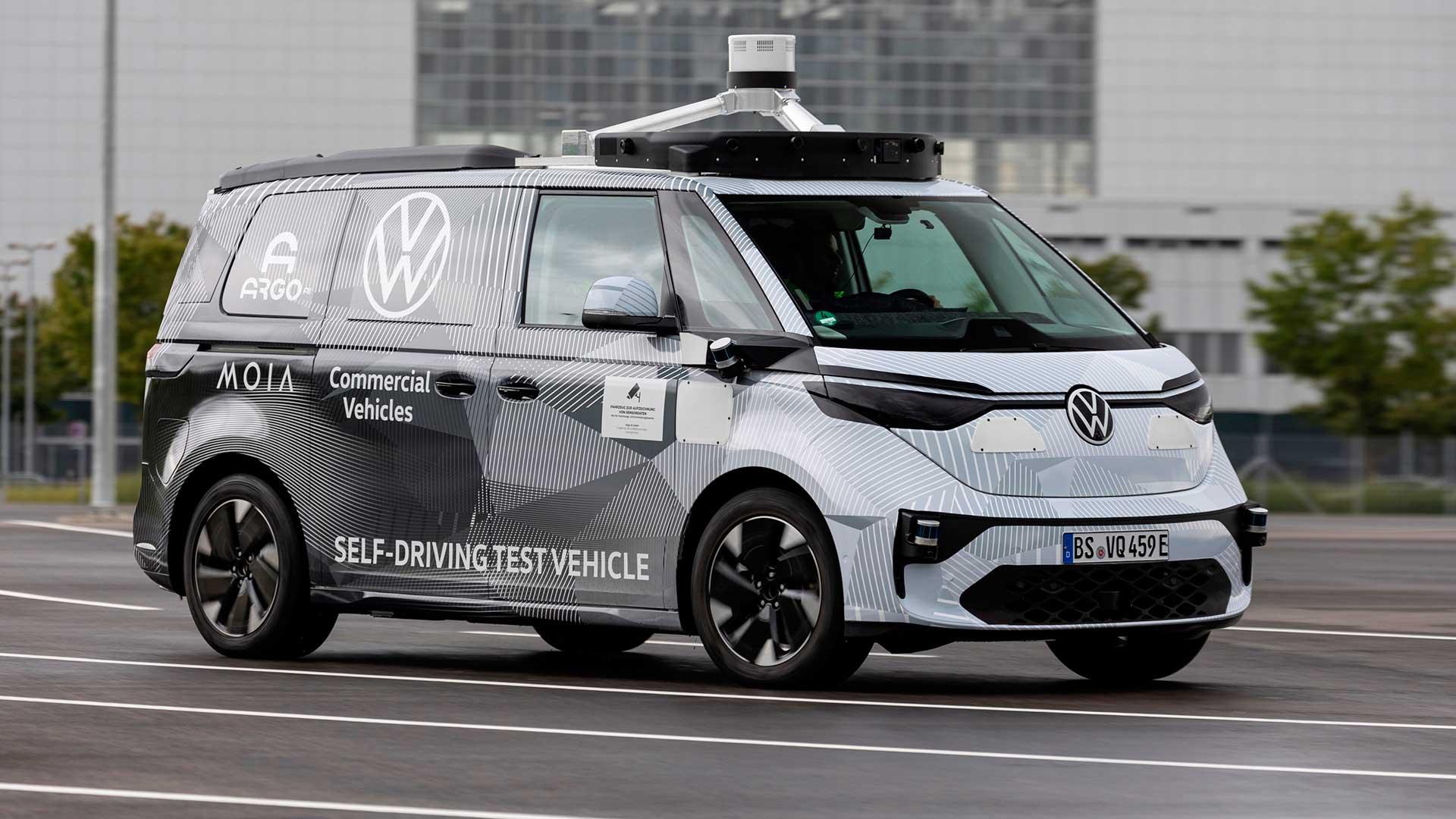 Nuevo Volkswagen ID. Buzz AD 2021: un primer vistazo a su próxima generación de furgonetas eléctricas