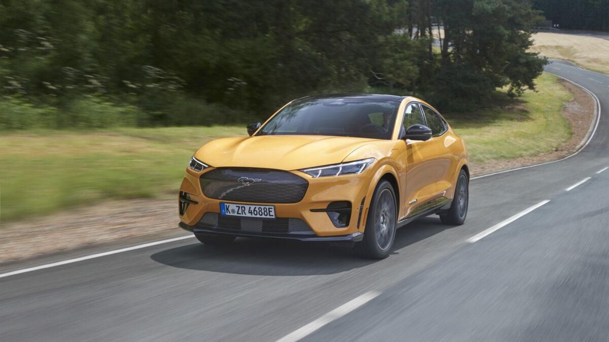 Los nuevos Ford Mustang Mach-E GT y E-Transit debutarán esta semana en el Salón del Automóvil de Barcelona 2021