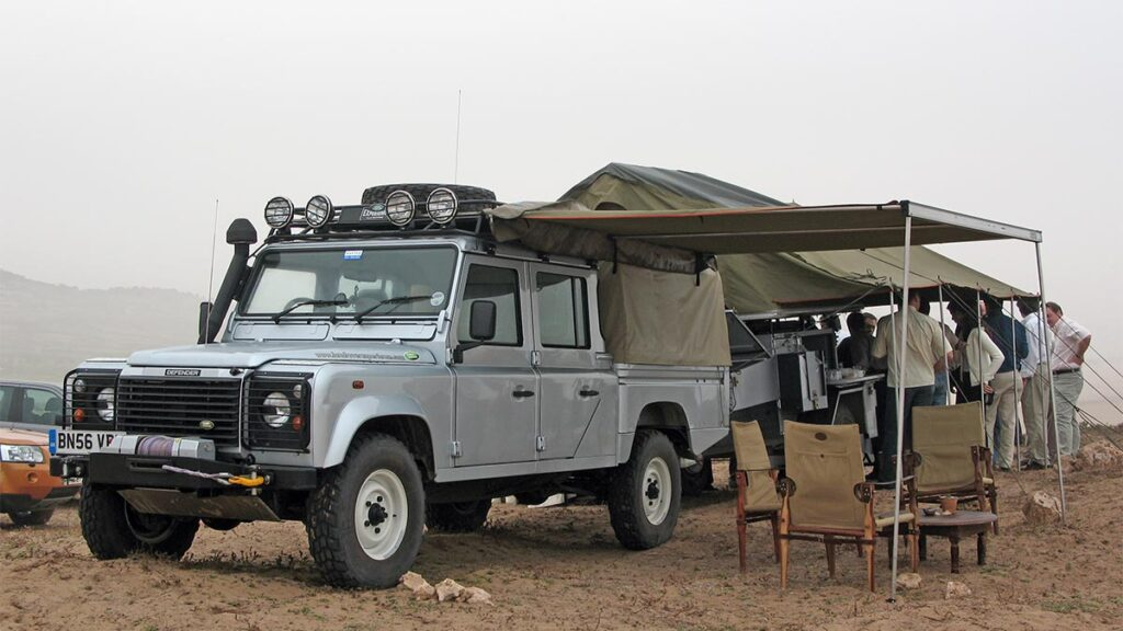 Land Rover Defender 130 cafetería móvil