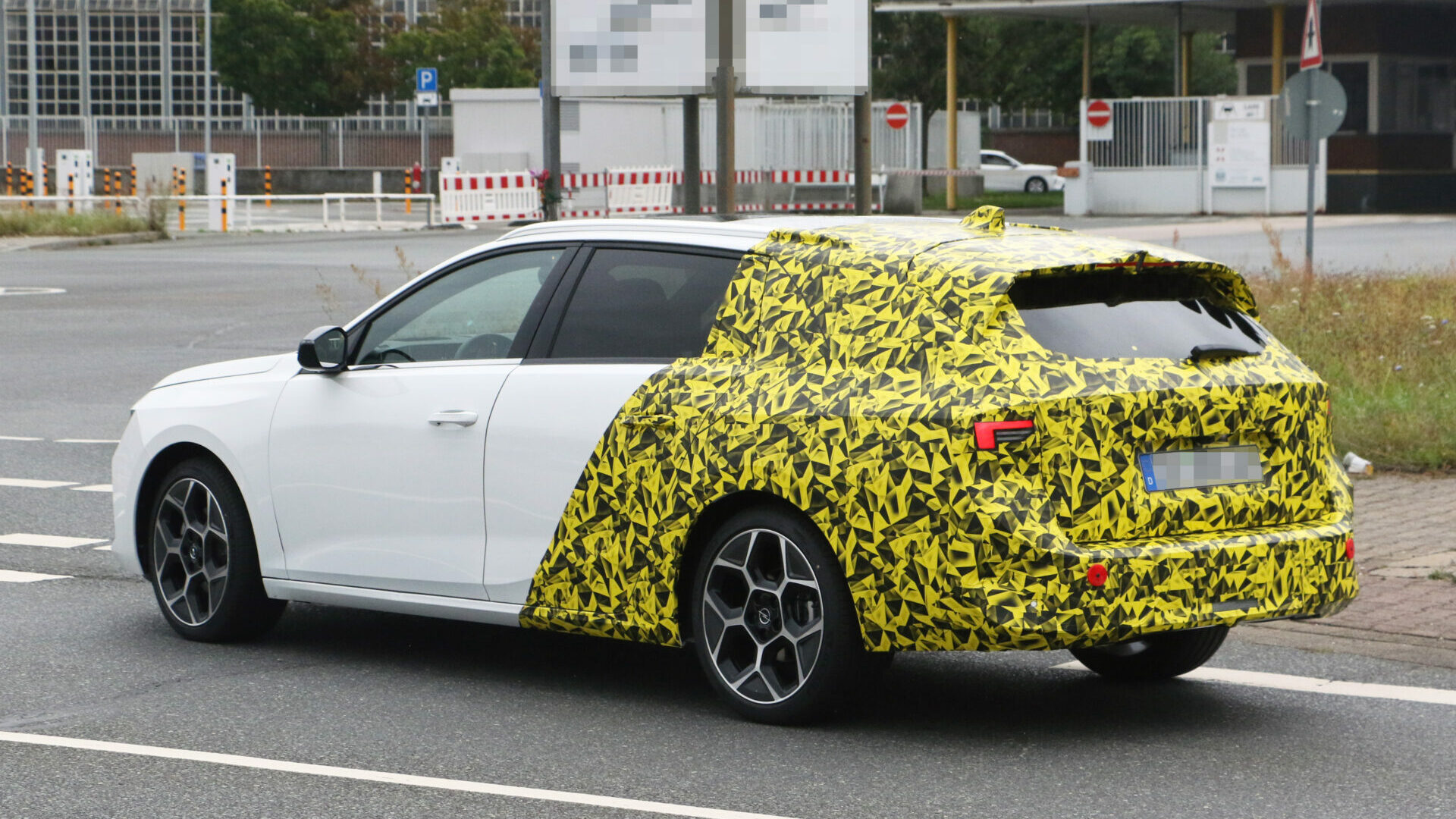 Opel Astra ST 25 edited
