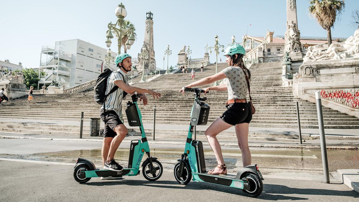 Los patientes eléctricos de la compañía de micro movilidad Tier aterrizan en España con un servicio de estacionamiento diferenciado