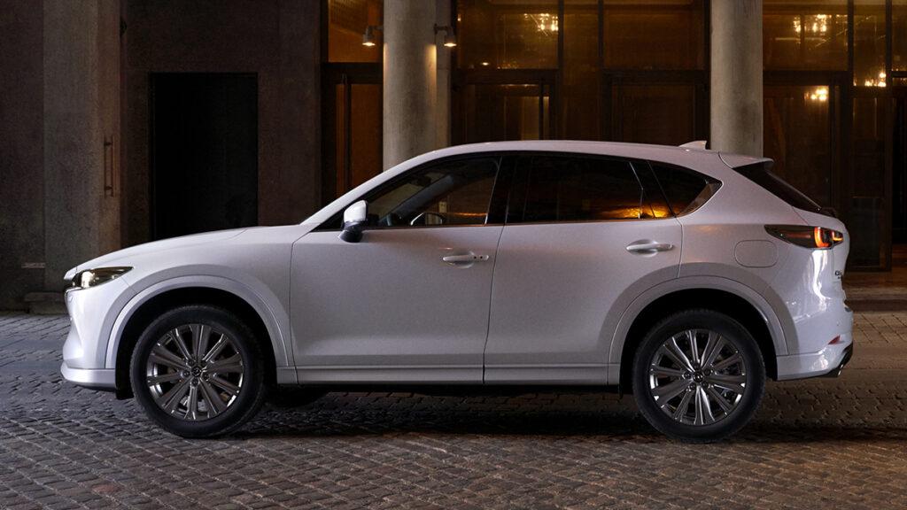 Mazda CX-5 2022 perfil