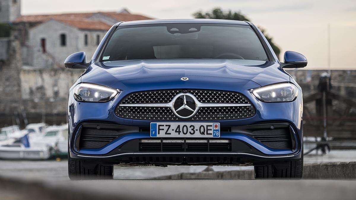Mercedes-Benz Clase C 2021: nuevas versiones gasolina con tracción total