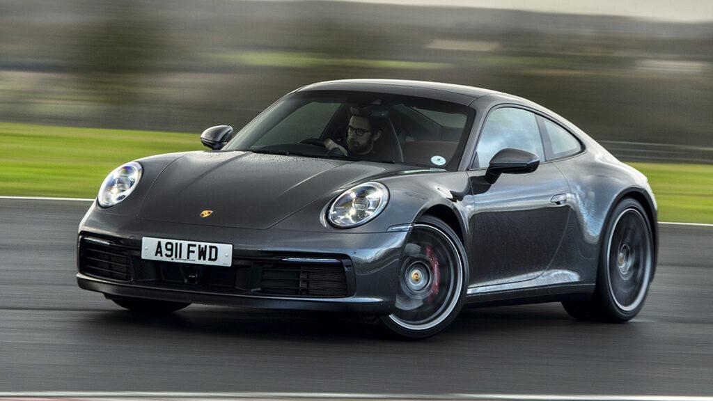 Porsche 911 derrape