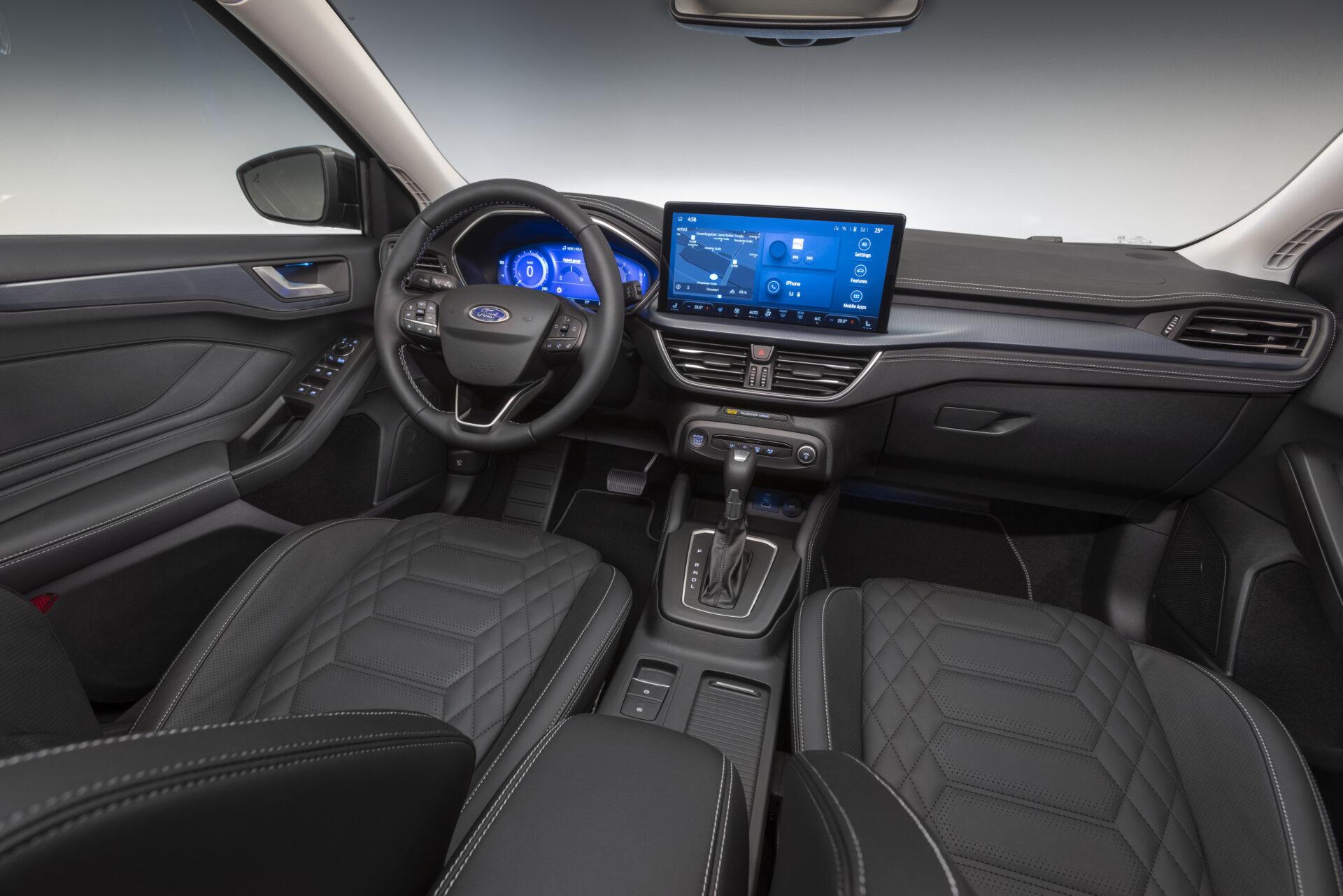 Ford Focus 2022 interior