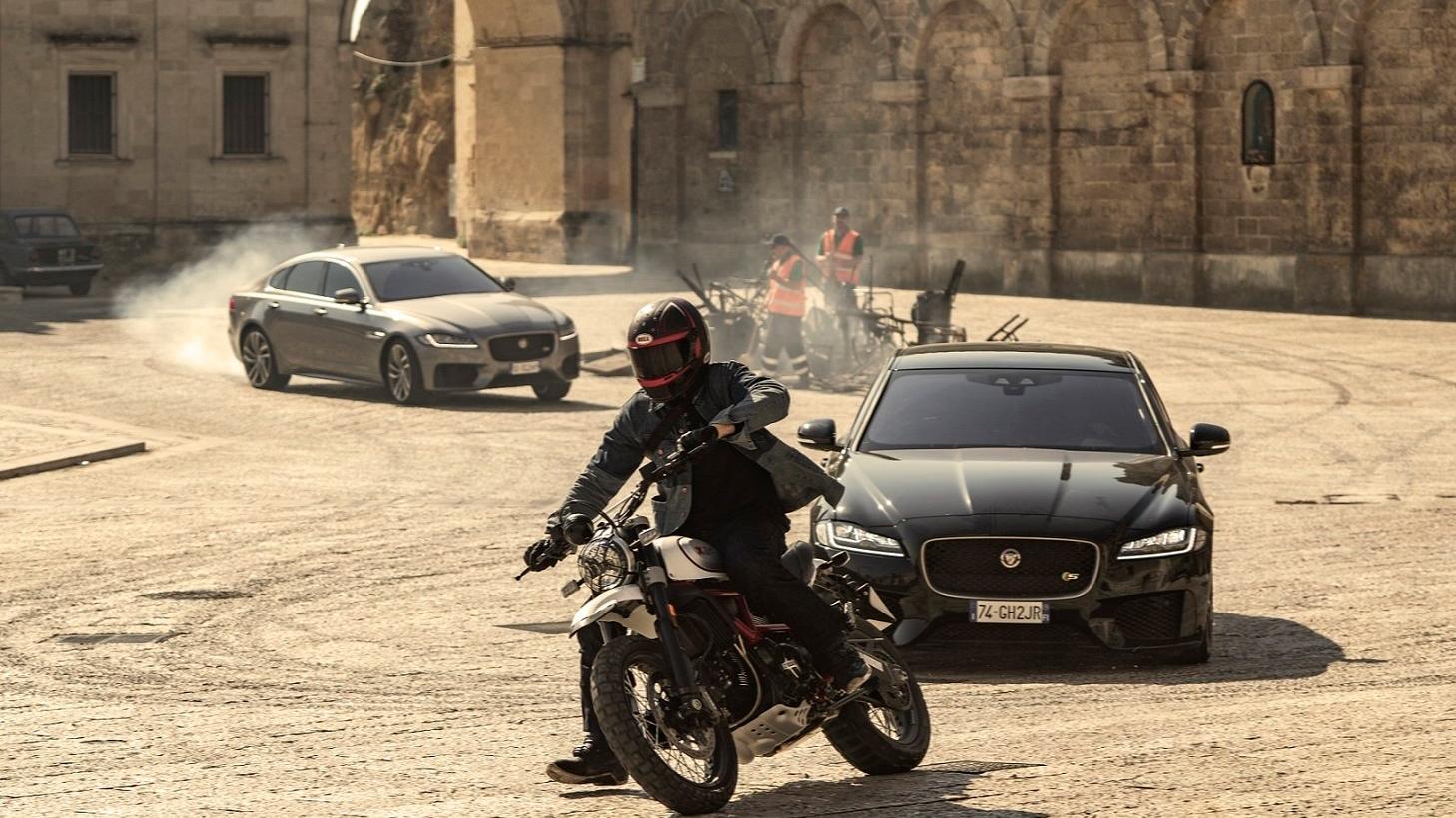 Jaguar XF 007