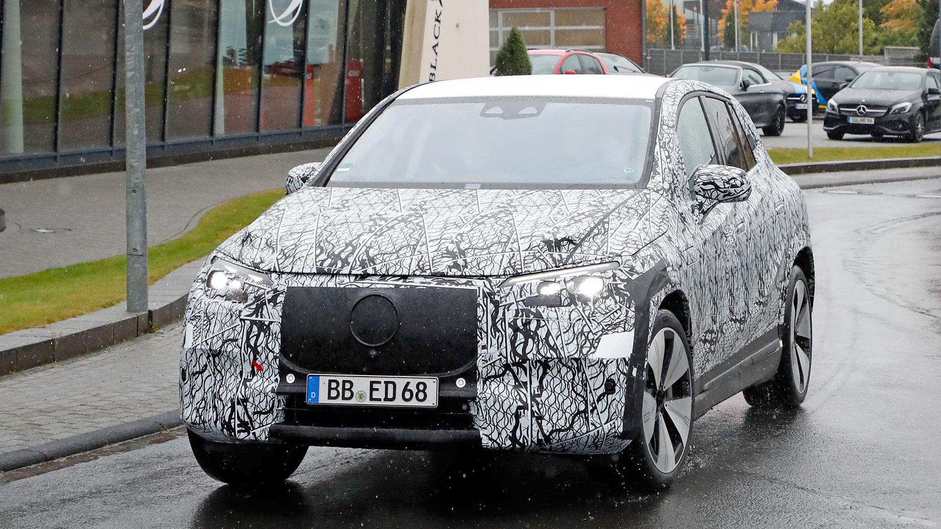 Nuevo Mercedes-Benz EQE SUV 2022 en fotos espía: siguiendo de cerca al EQS SUV