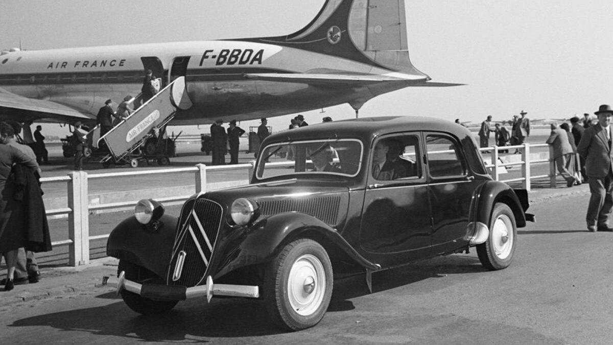 Sin duda un automóvil 100% innovador y brillante por tecnología, al que tan sólo lastró la escasa fiabilidad de las primeras unidades.