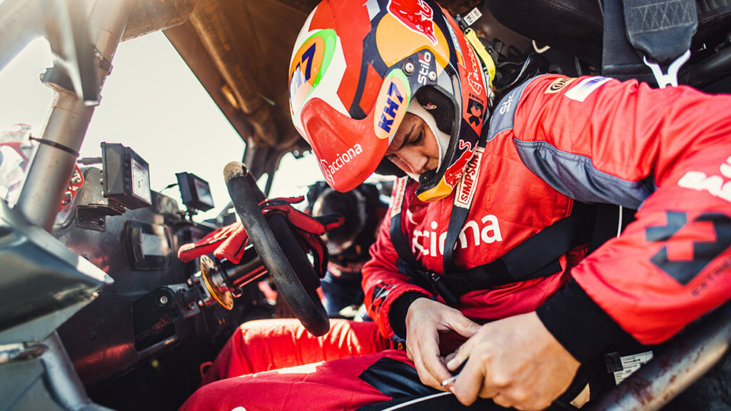 Laia Sanz confirma que dará el salto a las cuatro ruedas en el próximo Dakar