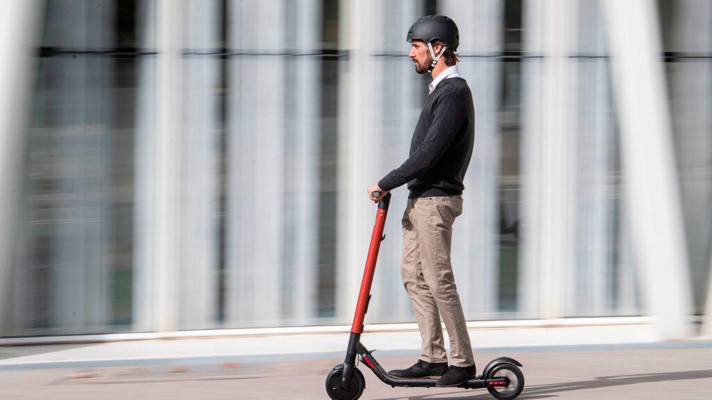 casco patinetes eléctricos